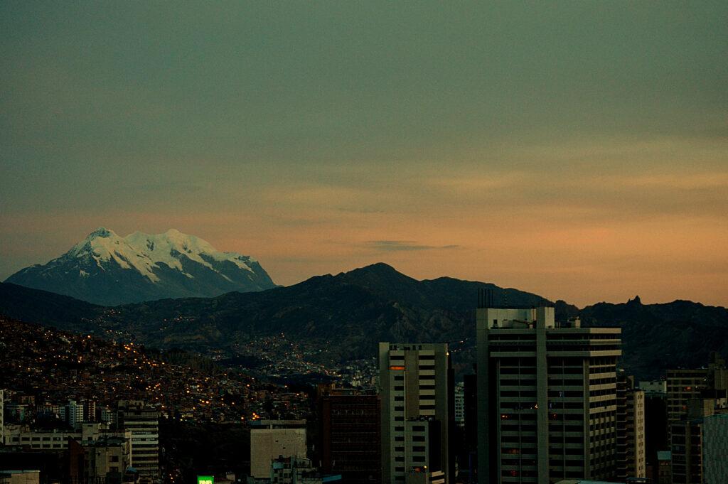 Illimani vista de La Paz